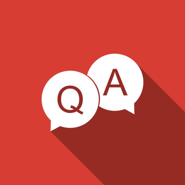 ilustraciones, imágenes clip art, dibujos animados e iconos de stock de pregunta y respuesta marcan en el icono de la burbuja de voz aislada con sombra. símbolo q y a. diseño plano. ilustración de vector - faq