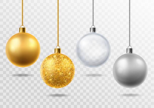 bildbanksillustrationer, clip art samt tecknat material och ikoner med realistiska julgran leksaker. gyllene med glitter, silver och transparenta glas bollar juldekoration vector isolerad 3d set - julkulor