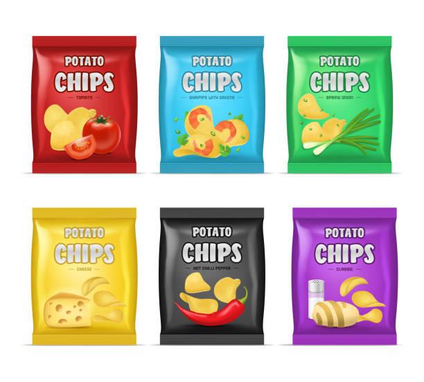 bildbanksillustrationer, clip art samt tecknat material och ikoner med realistiska detaljerade 3d chips annons väska set. vektor - potatischips