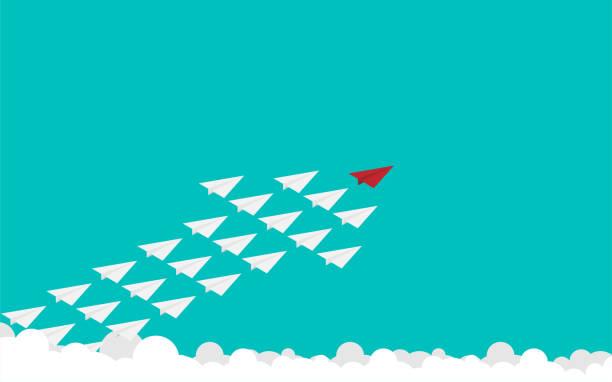 ilustraciones, imágenes clip art, dibujos animados e iconos de stock de avión de papel rojo y blanco unos muchos en el cielo - misión