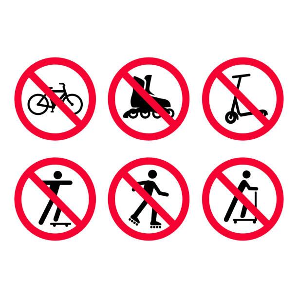 빨간색 금지 표지판을 설정합니다. 아무 자전거, 자전거, 아니 롤러 스케이트, 아니 스쿠터. - prohibition stock illustrations