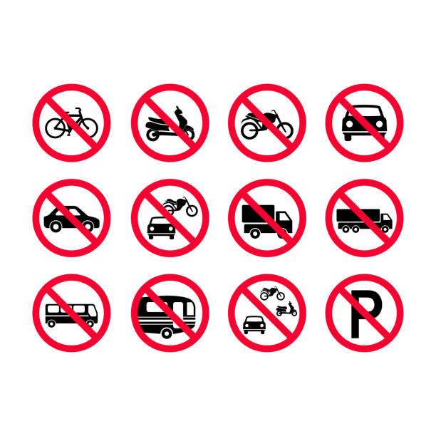 빨간색 금지 차량 로그인 설정. 아니 자동차, 아니 자전거, 아니 자동차. 트럭, 버스, 야영자 밴, 스쿠터, 오토바이 허용 되지 - prohibition stock illustrations