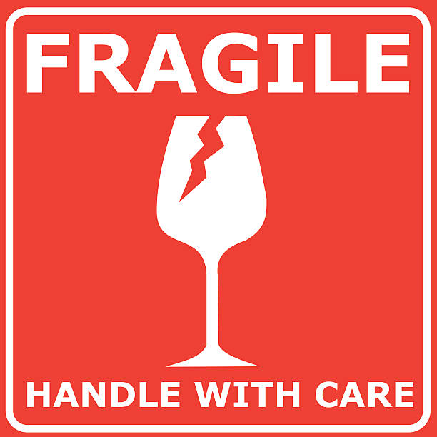 illustrazioni stock, clip art, cartoni animati e icone di tendenza di illustrazione vettoriale rosso simbolo fragile - fragilità