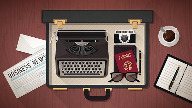 reporter die koffer mit schreibmaschine - reiseliteratur stock-grafiken, -clipart, -cartoons und -symbole
