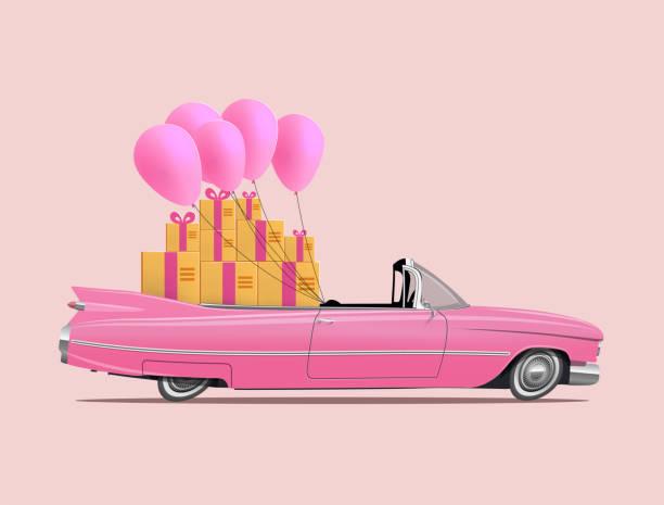 ギフトボックスとピンクの風船のフルサルーンを持つレトロな漫画のピンクの車のロードスター。ギフト配達サービスのコンセプトまたはハッピーバースデーカードデザインテンプレート。� - 勤労感謝の日点のイラスト素材/クリップアート素材/マンガ素材/アイコン素材