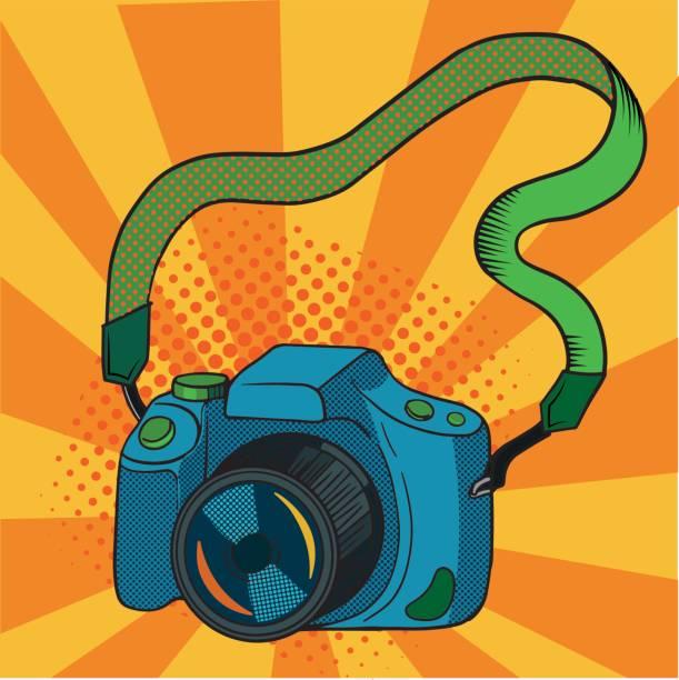 ilustraciones, imágenes clip art, dibujos animados e iconos de stock de cámara de fotos vintage retro. réflex digital comic sobre fondo. ilustración de vector en el arte pop. - zoom call