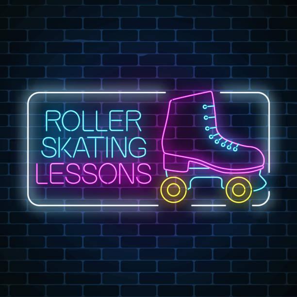 rollschuhlaufen unterricht werbeschild. retro-roller-skates leuchtende neon-schild. skate-zone-symbol in neon-stil. - rollschuh stock-grafiken, -clipart, -cartoons und -symbole