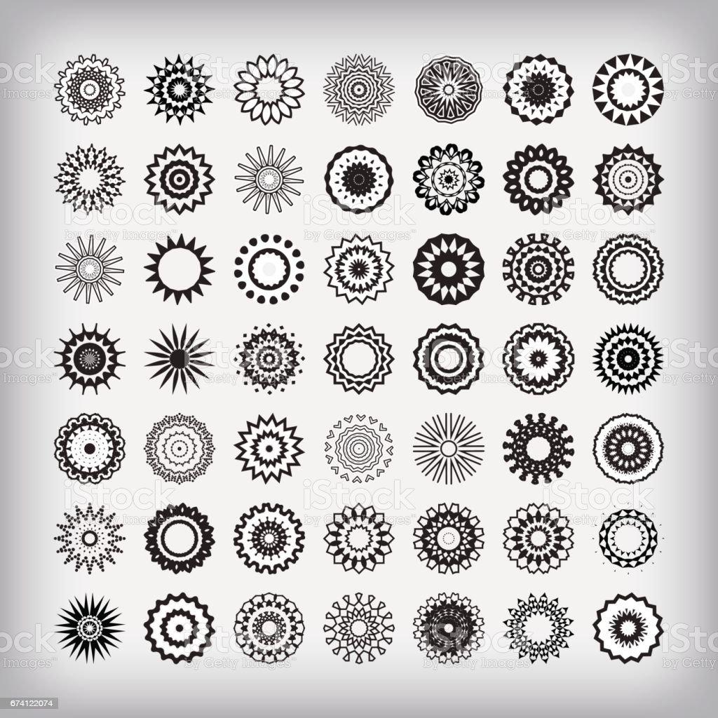 圓形飾品套裝 免版稅 圓形飾品套裝 向量插圖及更多 ink wash painting 圖片