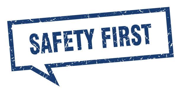 bildbanksillustrationer, clip art samt tecknat material och ikoner med första säkerhets skylten. säkerhet första kvadratiska prat bubbla. säkerheten först - nummer 1