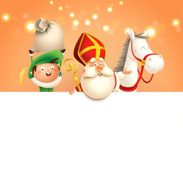illustrations, cliparts, dessins animés et icônes de cheval et aide de saint nicolas ou de sinterklaas à bord - les caractères mignons heureux célèbrent la fête hollandaise - illustration de vecteur sur le fond orange avec des lumières - saint nicolas