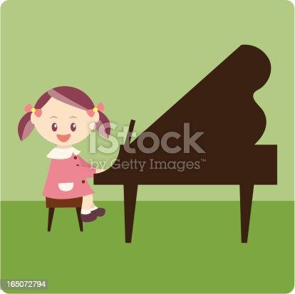muchacha de la escuela tocando el piano