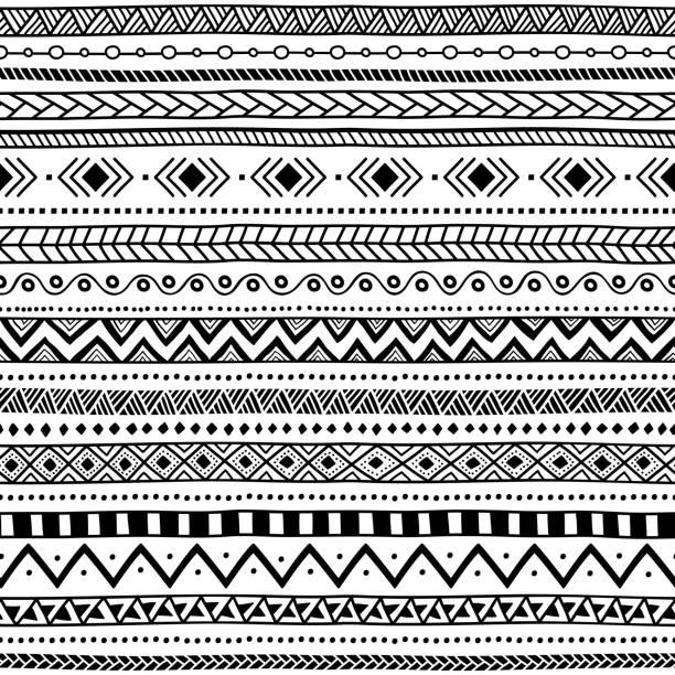 stockillustraties, clipart, cartoons en iconen met naadloze etnische patroon. zwart-wit gestreepte achtergrond. - tribale kunst