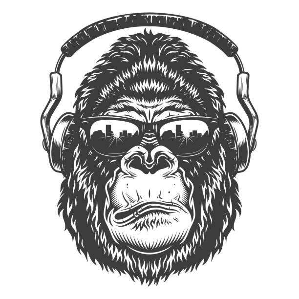 ilustraciones, imágenes clip art, dibujos animados e iconos de stock de gorila grave en estilo monocromo - gorila