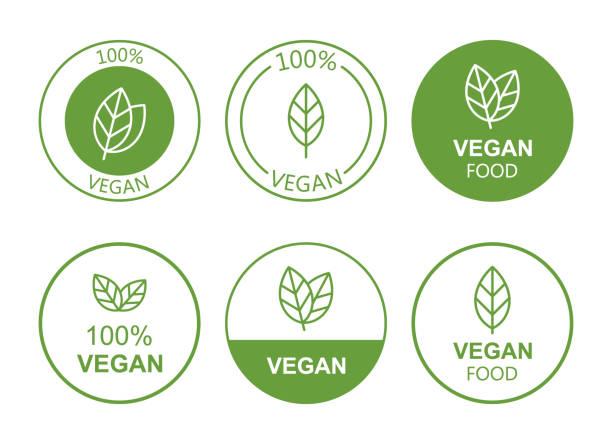 ilustraciones, imágenes clip art, dibujos animados e iconos de stock de establecer icono vegano plano sobre fondo blanco. bio, ecología, logotipos e insignias orgánicas, etiqueta, etiqueta. diseño de ilustración vectorial - vegana
