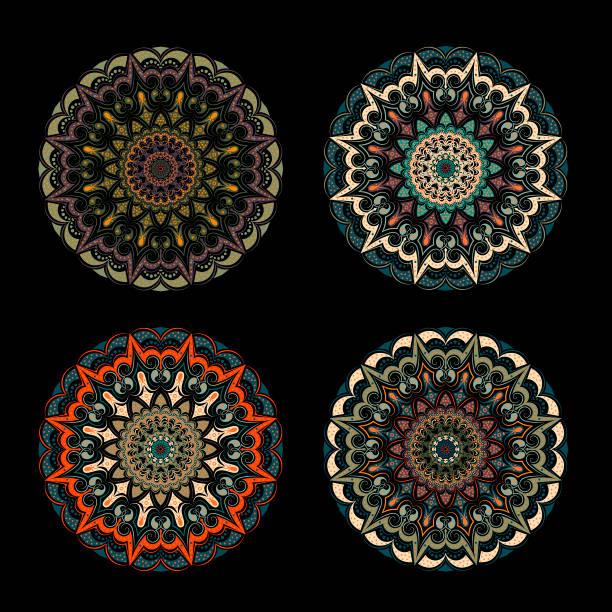 set-vier orange-grüne mandalas-auf schwarzem hintergrund. - tortenständer stock-grafiken, -clipart, -cartoons und -symbole