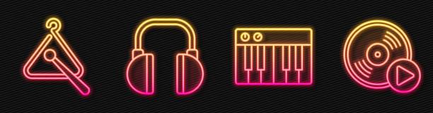 bildbanksillustrationer, clip art samt tecknat material och ikoner med ställ in line musiksynt, triangel musikinstrument, hörlurar och vinyl disk. glödande neonikon. vektor - triangel slagverksinstrument