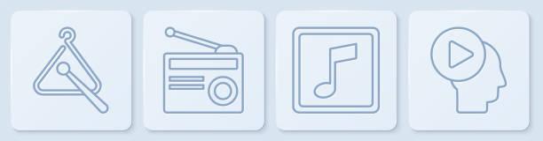 bildbanksillustrationer, clip art samt tecknat material och ikoner med ställ linje triangle musikinstrument, musik not, ton, radio med antenn och head människor med play-knappen. vit fyrkantsknapp. vektor - triangel slagverksinstrument