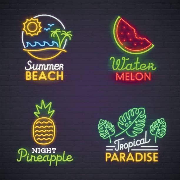 設置霓虹燈標誌主題夏天。明亮的招牌,光旗幟。夏天的符號,象徵。 - bar 幅插畫檔、美工圖案、卡通及圖標