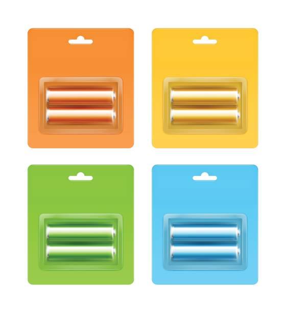 stockillustraties, clipart, cartoons en iconen met set van alkaline aa batterijen in blister-verpakt - doordrukstrip