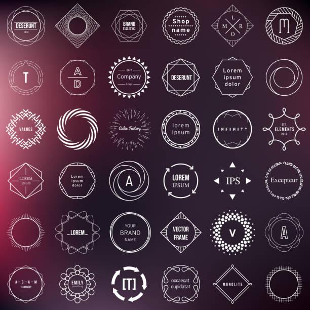 zestaw odznak i elementów etykiet. nowoczesny geometryczny design – okręgi - przypinka stock illustrations