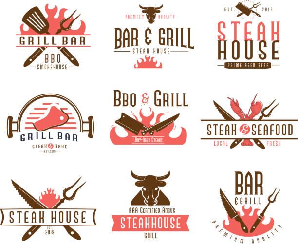 ilustraciones, imágenes clip art, dibujos animados e iconos de stock de conjunto de etiquetas de barbacoa con formas y diseños de texto únicos, así como elementos de parrilla - barbacoa