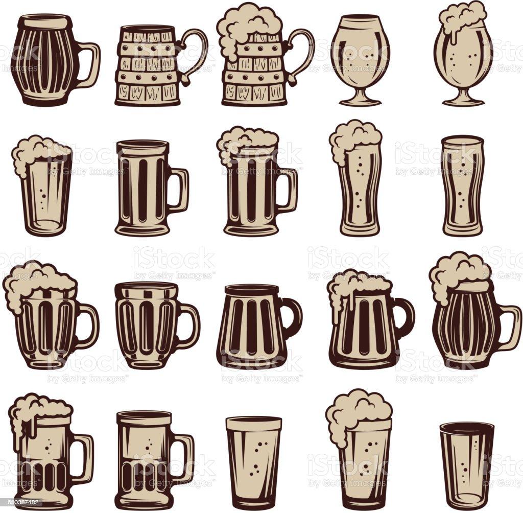 Conjunto de copos e canecas de cerveja. Elementos de design para o rótulo, o emblema, o sinal. Ilustração em vetor. - ilustração de arte em vetor