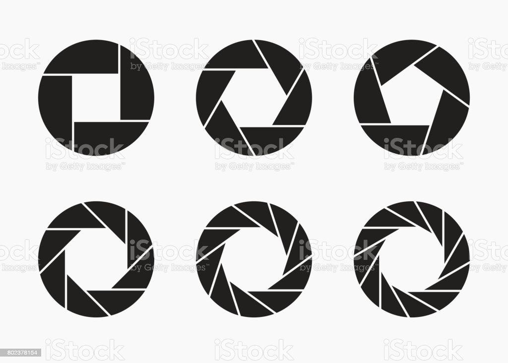 Ensemble d'appareil photo noir lentille ouverture icônes. - Illustration vectorielle