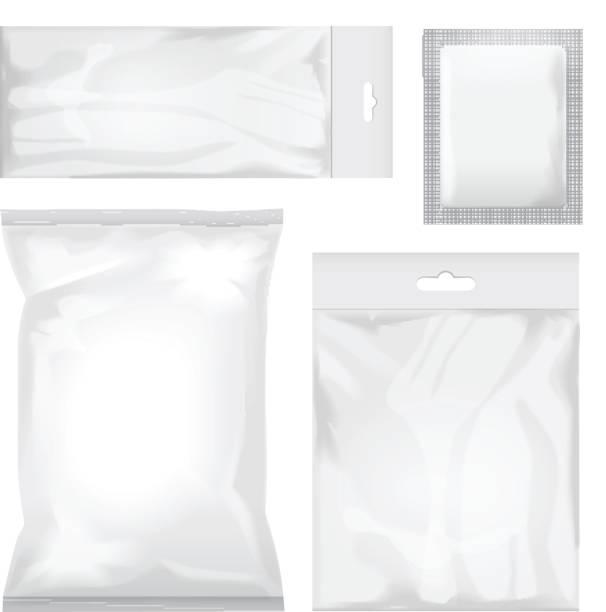satz von leeren weißen und transparenten folienbeutel verpackungen für lebensmittel, snack, kaffee, kakao, süßigkeiten, kekse, chips, nüssen, zucker. vektor-kunststoff-pack mock-up - plastikhülle stock-grafiken, -clipart, -cartoons und -symbole