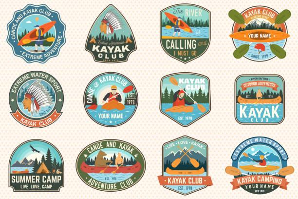 Ensemble de canoë et de club de kayak badges Vector. Concept pour patch, chemise, impression ou tee. Conception vintage avec la montagne, rivière, American Indian et la silhouette de kayakiste. Patchs de kayak de sports nautiques extrêmes - Illustration vectorielle