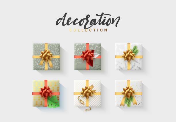 satz von bunten verpackt geschenk-boxen. viele geschenke. flache dekoration sammlung. flachliegen, ansicht von oben - flat icons stock-grafiken, -clipart, -cartoons und -symbole