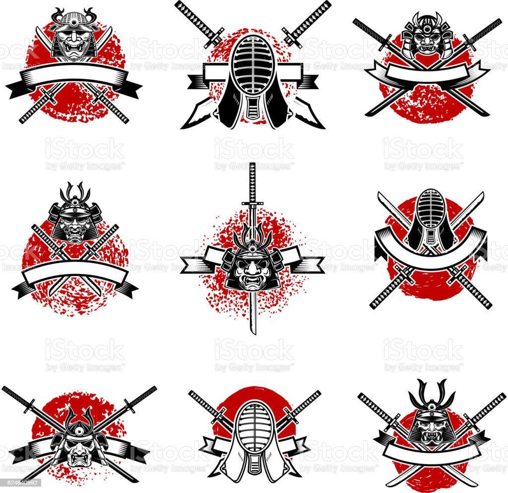 日本刀、サムライ マスクとエンブレムのセットです。日本の剣のフェンシング。ラベル、紋章、記号のデザイン要素です。ベクトル図 ベクターアートイラスト