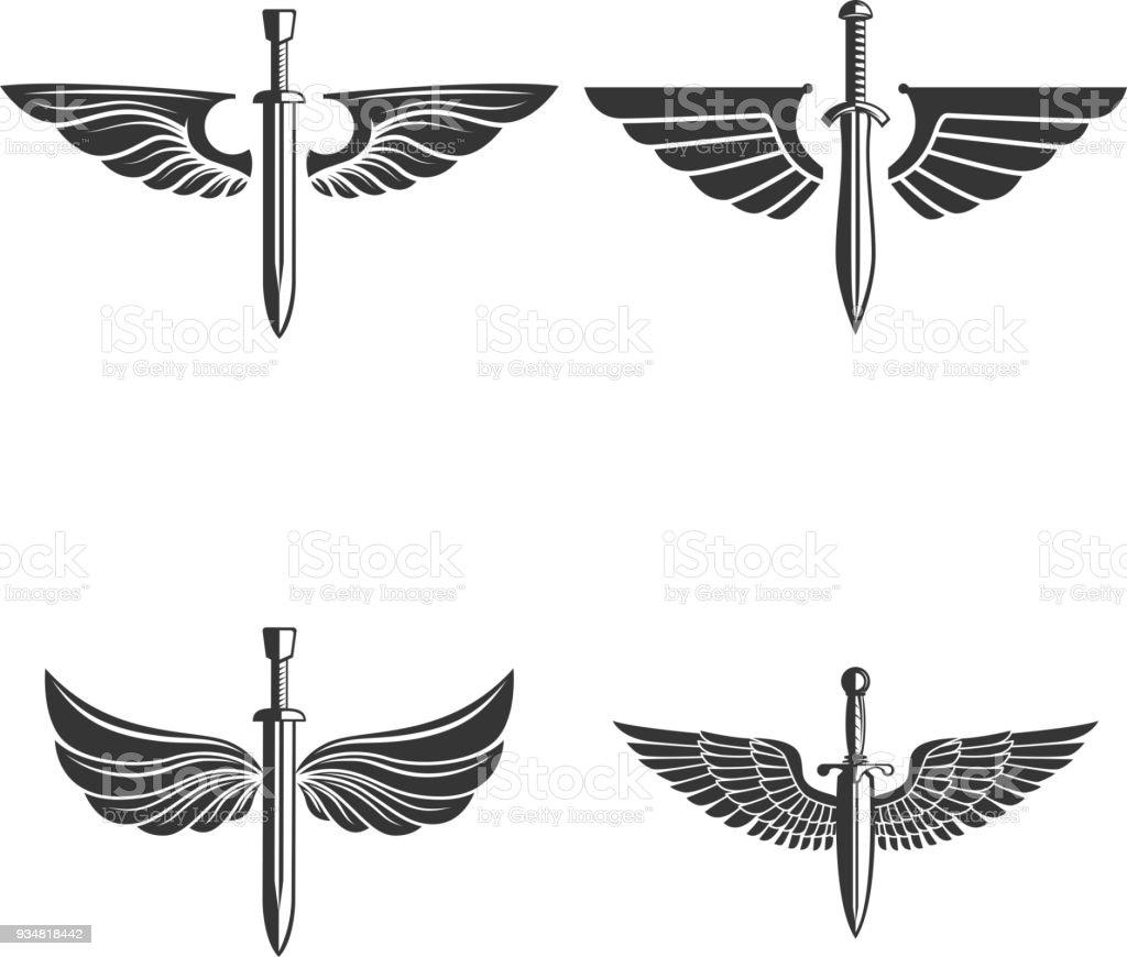 중세 검 술과 날개와 엠 블 럼의 집합입니다. 레이블, 상징, 기호에 대 한 디자인 요소입니다. - 로열티 프리 개체 그룹 벡터 아트