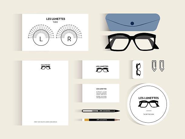ilustraciones, imágenes clip art, dibujos animados e iconos de stock de conjunto de elementos de diseño plano para un óptico negocios. - optometrista