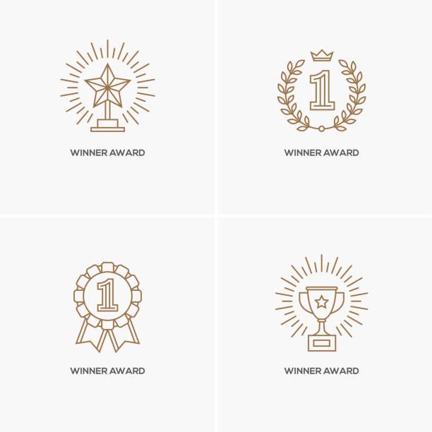 bildbanksillustrationer, clip art samt tecknat material och ikoner med uppsättning av fyra linjär vinnare awards. - wining
