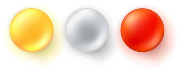 볼을 광택의 아이콘의 집합입니다. 흰색 배경에 고립 된 현실적인 3 차원 구체입니다. 빨간색, 노란색 및 금속 장식 디자인 요소, 3 차원 벡터 일러스트 레이 션. - vitamin d stock illustrations