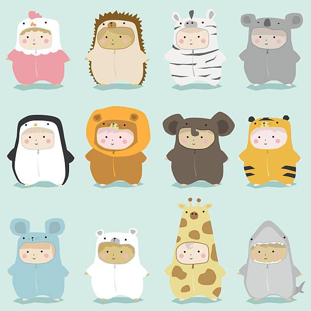 ein satz von kindern in niedlich tierische kostüme 2 - giraffenkostüm stock-grafiken, -clipart, -cartoons und -symbole