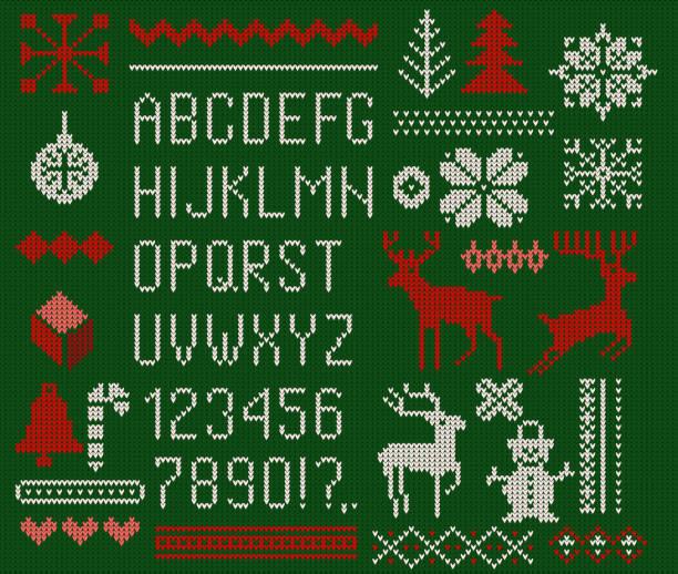 satz von gestrickten schriftart, elemente und grenzen für weihnachten, neujahr oder winter design. hässliche pullover stil. pullover schmuck für skandinavische muster. vektor-illustration. isoliert auf grünem hintergrund. - gehäkelte lebensmittel stock-grafiken, -clipart, -cartoons und -symbole