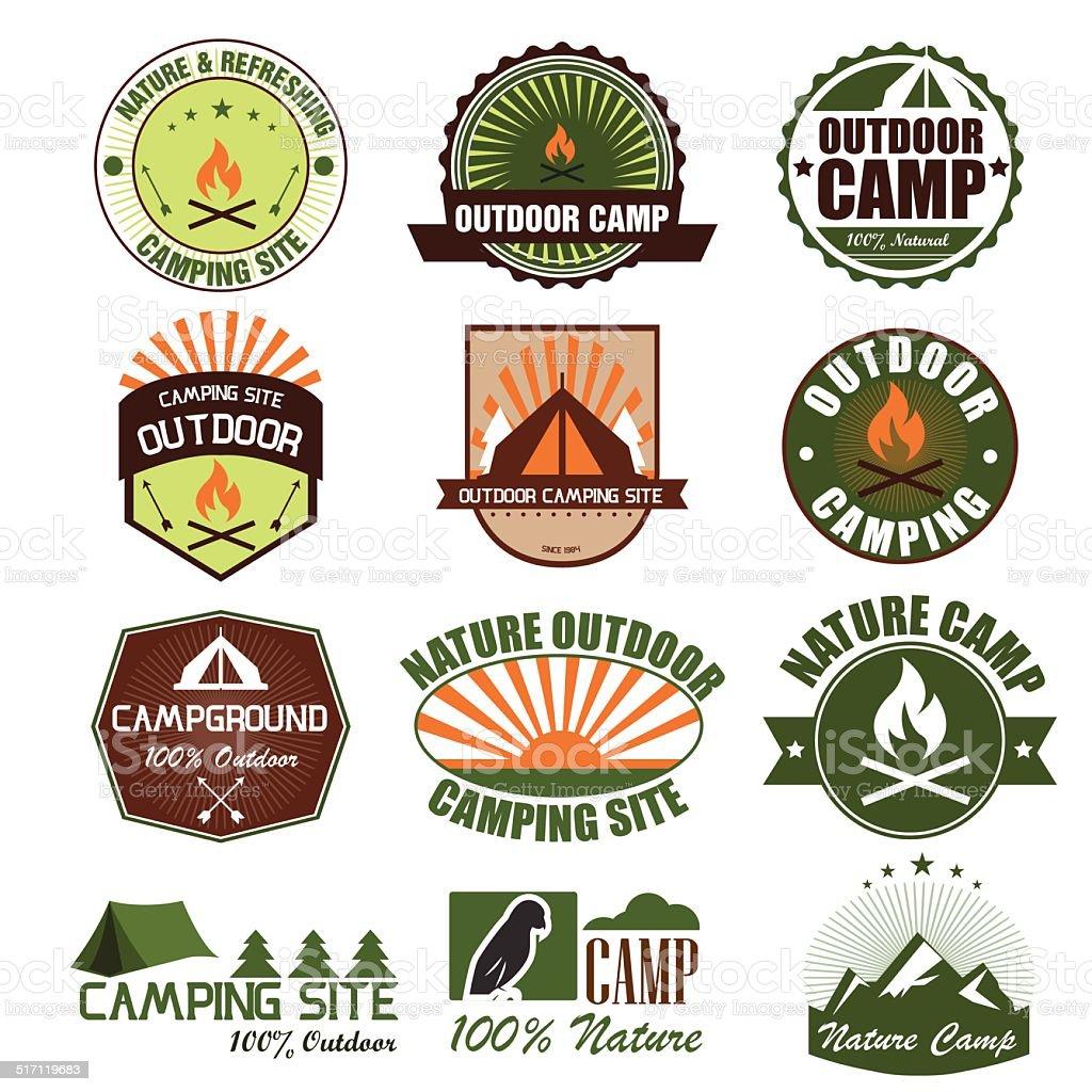 Satz von retro camping und outdoor Abzeichen.  Vektor Illustration eps1 – Vektorgrafik