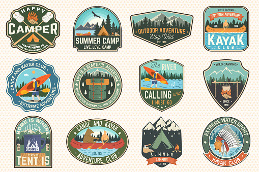 Set Of Summer Camp Canoe And Kayak Club Badges Vector For Patch Design With Camping Mountain River American Indian And Kayaker Silhouette Extreme Camp And Water Sport Kayak Patches - Arte vetorial de stock e mais imagens de Acampar