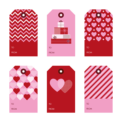 Set of Valentine's Day gift tags.