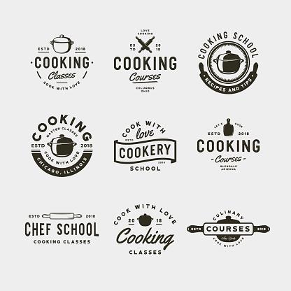 一套老式烹飪類符號復古風格的烹飪學校標誌向量例證向量圖形及更多俄羅斯圖片