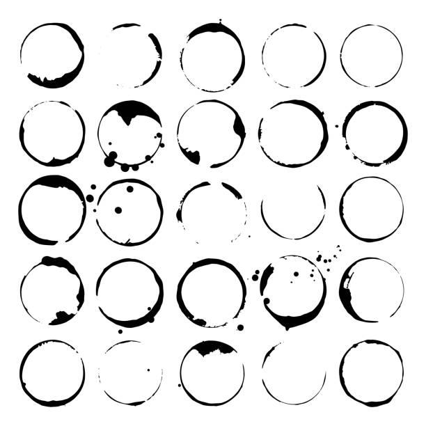 stockillustraties, clipart, cartoons en iconen met set van vlekken van wijn of koffie. vlekken en splatters. zwarte silhouetten. vectorillustratie. - stamppot