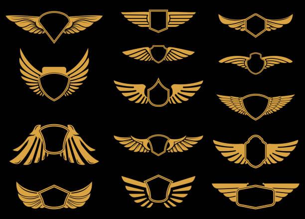 set von flügeln icons im goldenen stil. design-elemente für label, wahrzeichen, zeichen. - schutzengel stock-grafiken, -clipart, -cartoons und -symbole