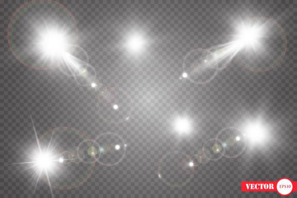 設定します。輝く星、太陽粒子とハイライト効果で火花の心配、黄金のボケ味は、キラキラとスパンコールを点灯します。暗い背景を透明に - フレア点のイラスト素材/クリップアート素材/マンガ素材/アイコン素材