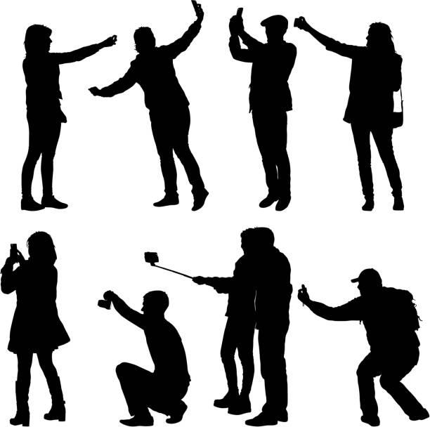 eingestellt von silhouetten mann und frau unter selfie mit smartphone auf weißem hintergrund - selfie stock-grafiken, -clipart, -cartoons und -symbole