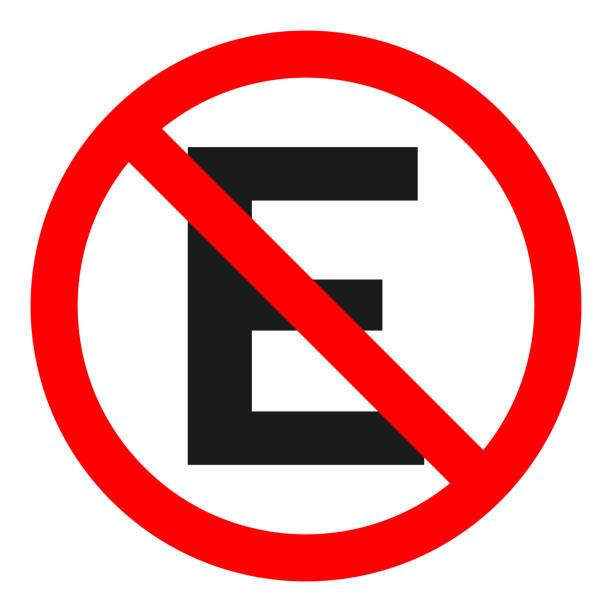 illustrations, cliparts, dessins animés et icônes de signe estacionar proibido. lettre e en rouge barré de cercle. vector - gare