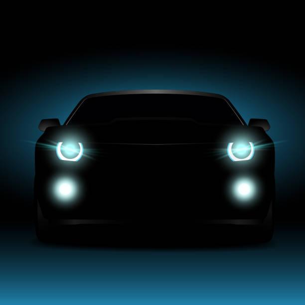 stockillustraties, clipart, cartoons en iconen met silhouet van een auto in het donker bij nacht. gloeiende autokoplampen en mistlichten. - mist donker auto