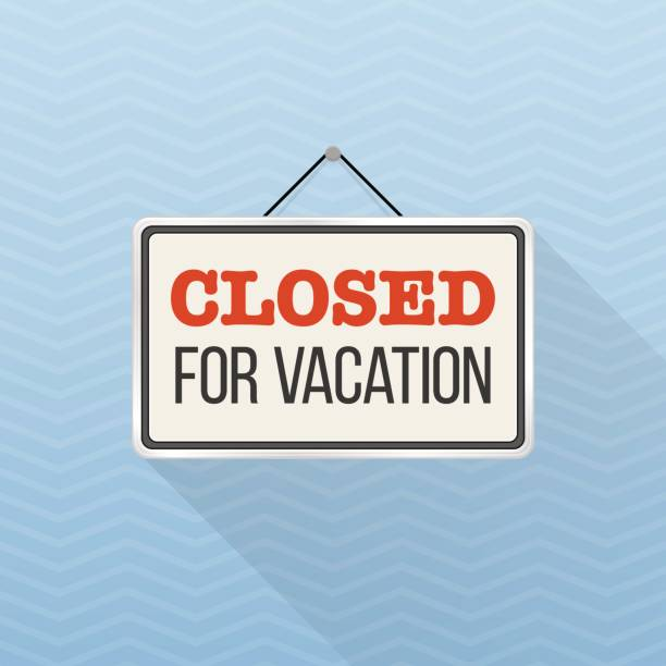 illustrazioni stock, clip art, cartoni animati e icone di tendenza di simple white sign with text 'closed for vacation' hanging on a blue office wall. creative business interior template for shop, store, supermarket. rectangular layout for holiday season. - cartello chiuso