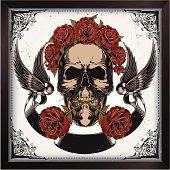 Skull in roses