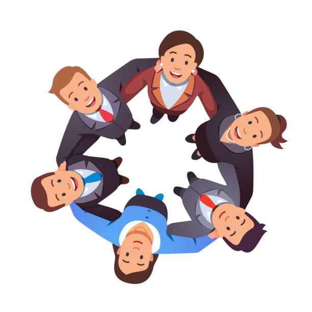 笑顔のビジネスの人々チームの男性&女性グループは、円を描いて腕を組み合わせ、一緒に見上げ合う。空中トップビュー。チームワーク、団結、一体感。フラット ベクトルの図 - 人 俯瞰点のイラスト素材/クリップアート素材/マンガ素材/アイコン素材